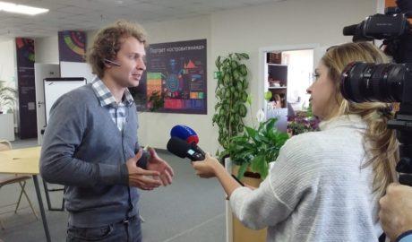 Иван Ерхов дает интервью