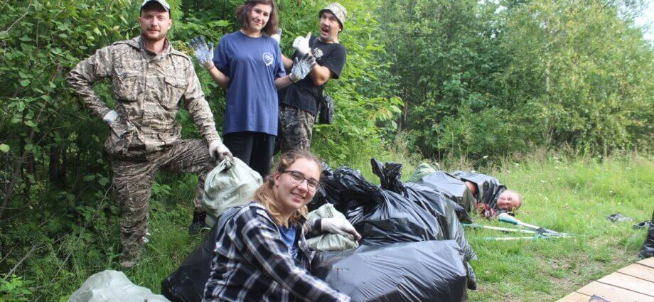 убираем мусор на байкале